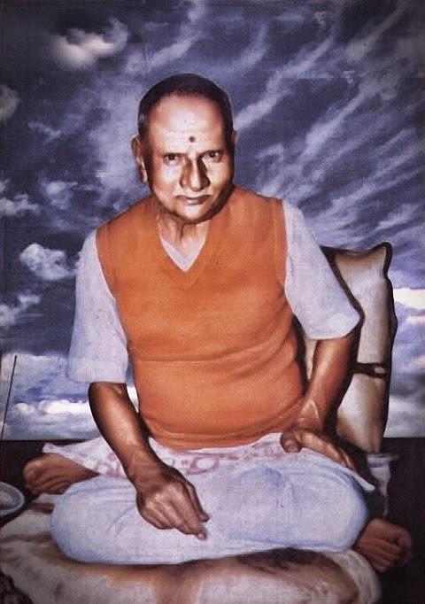 019-Nisargadatta_Maharaj.jpg