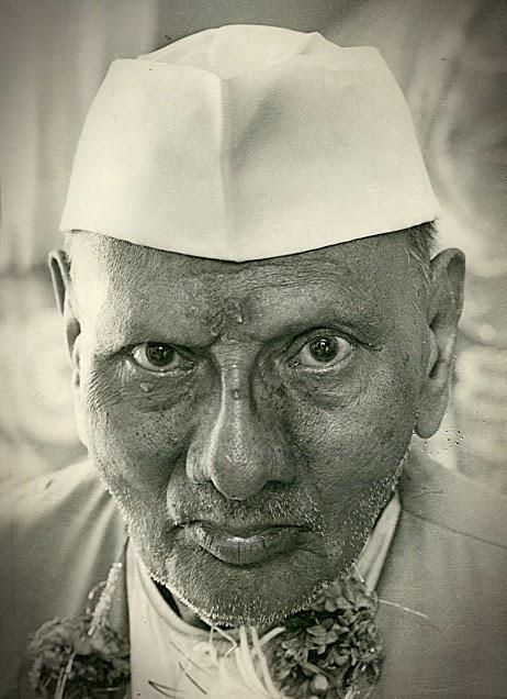 021-Nisargadatta_Maharaj.jpg
