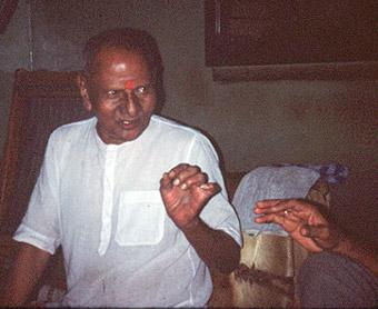 034-1-Nisargadatta_Maharaj.jpg