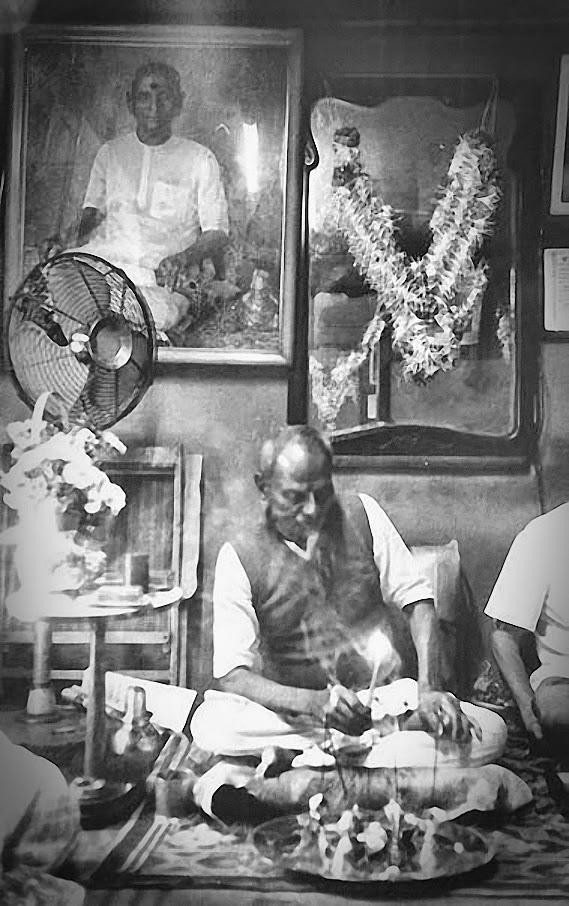 036-0-Nisargadatta_Maharaj.jpg