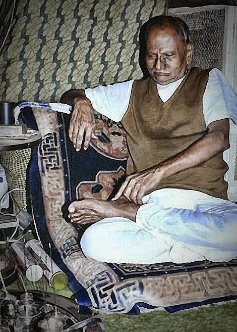 041-1-Nisargadatta_Maharaj.jpg