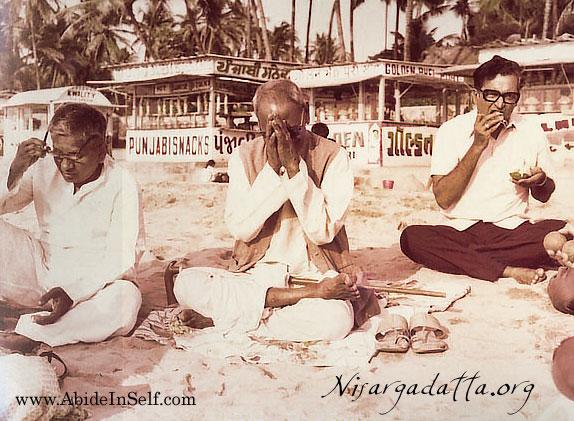056-0-Nisargadatta_Maharaj.jpg