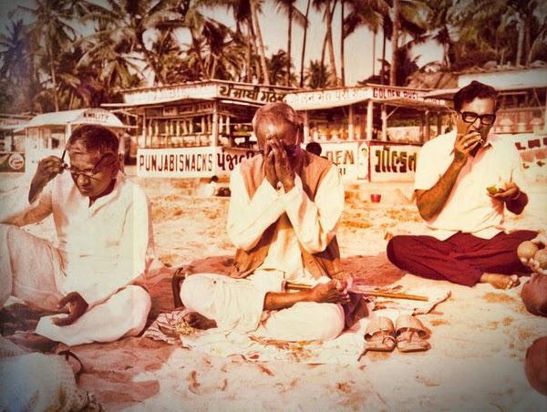 056-1-Nisargadatta_Maharaj.jpg