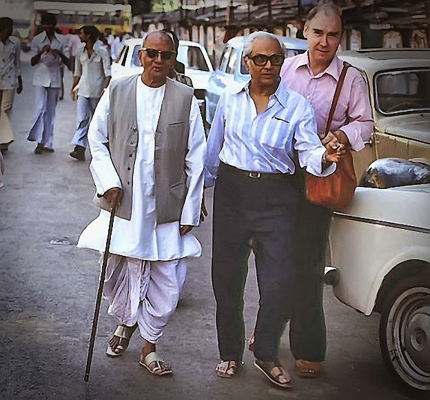 062-1-Nisargadatta Maharaj going for a walk. This was one of his daily routine.jpg