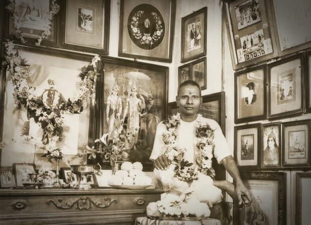 069-1-Nisargadatta_Maharaj.jpg
