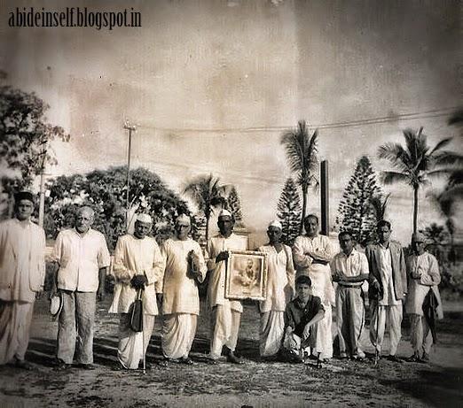 078-Nisargadatta Maharaj in Bangalore.jpg