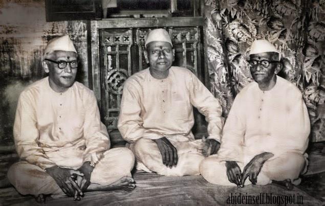 085-Nisargadatta Maharaj and Bhainath Maharaj.jpg