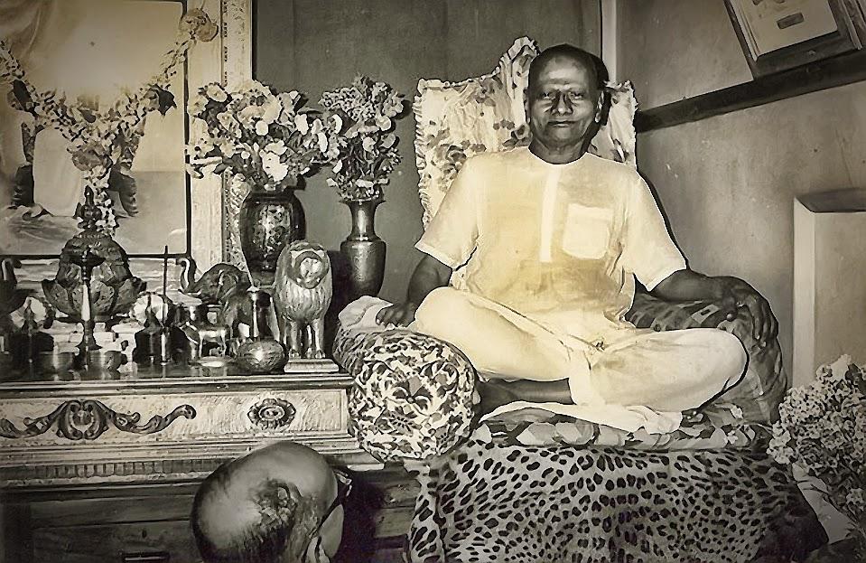 162-Nisargadatta_Maharaj.jpg