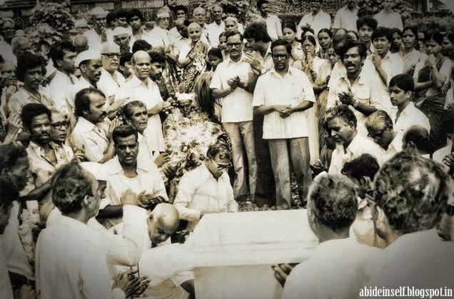 180-Mahasamadhi of Nisargadatta Maharaj.jpg