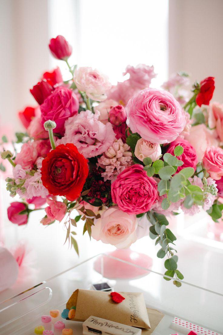 7c6f571c7321dc57ccfeec8df72736af--valentine-flower-arrangements-valentines-flowers.jpg