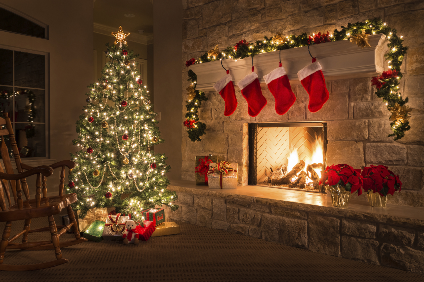 Fireplace-and-tree-iStock_000073654441_Medium.jpg