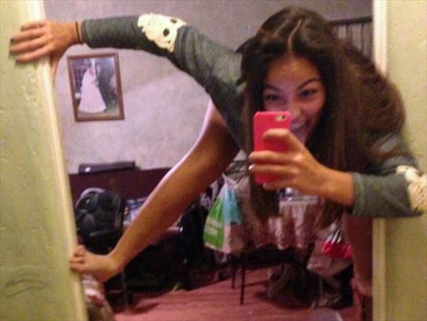 funny-ridiculous-wtf-selfies-05.jpg