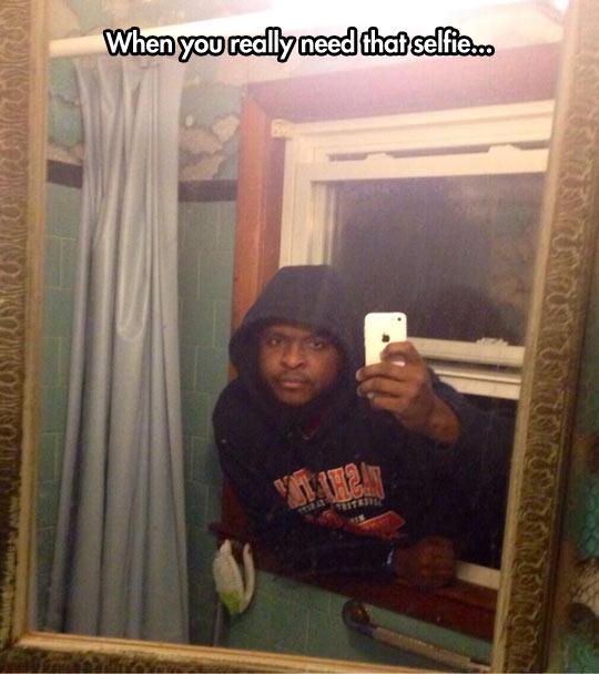 funny-selfie-picture-man-mirror.jpg