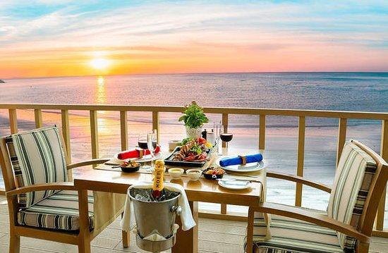 gourmet-table-in-zanzi.jpg