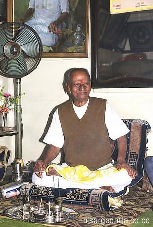 nisargadatta_maharaj_12.jpg