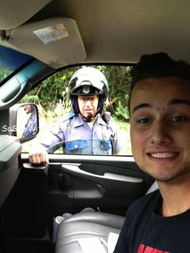 Selfie-mientras-le-multan.jpg