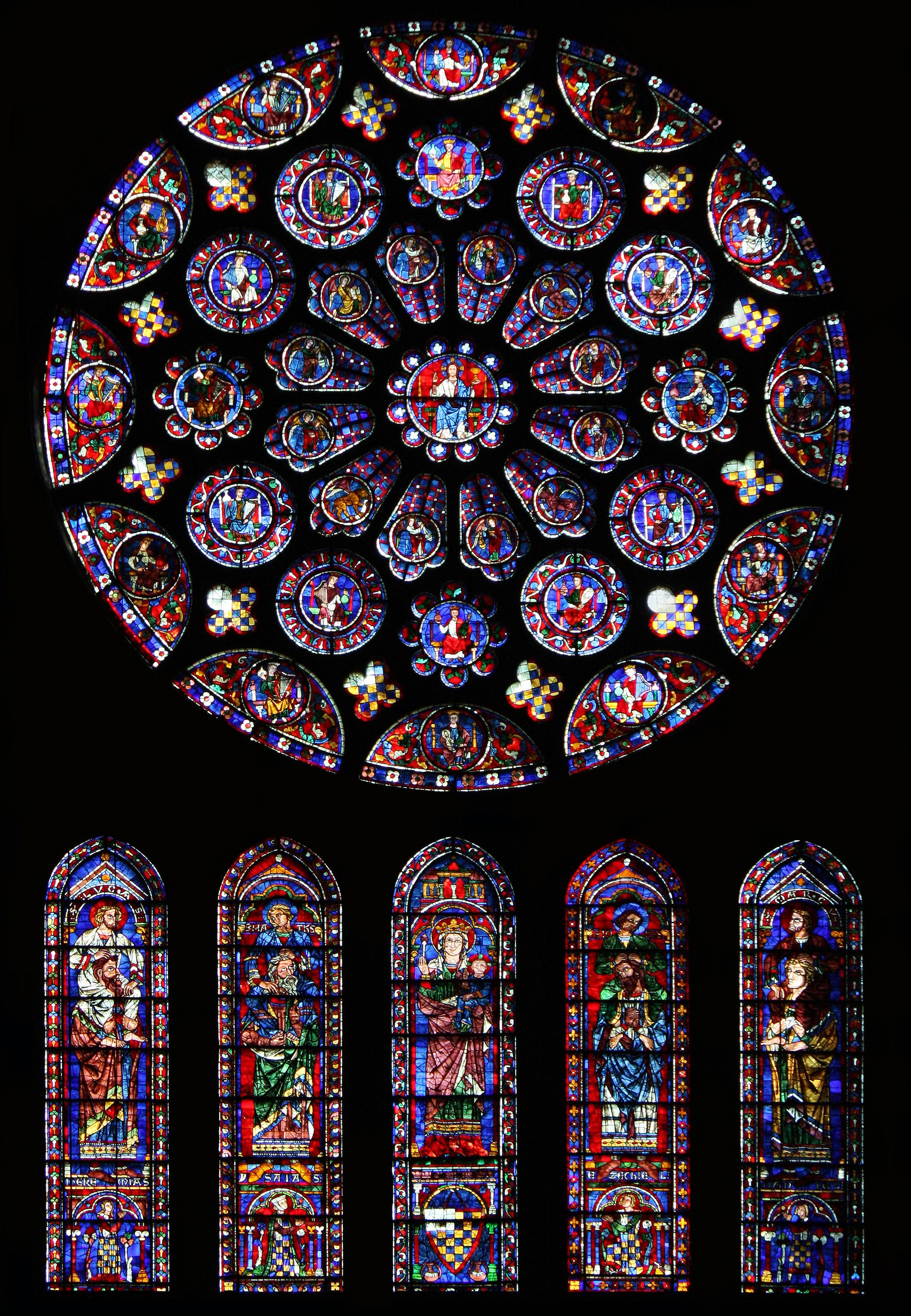 South_rose_window_of_Chartres_Cathedral01.jpg