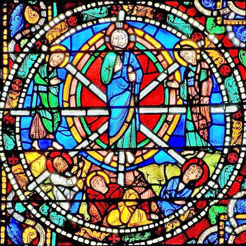 XIII  век. Витраж в Шартрском соборе. Преображение..jpg